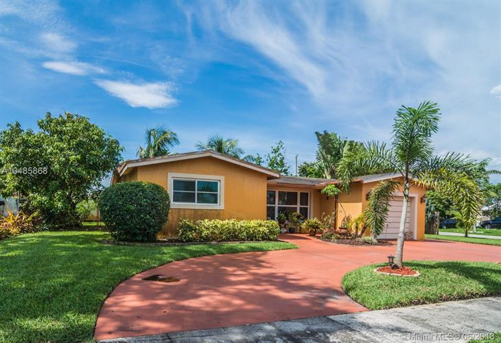 5030 NW 17th Ct, Lauderhill, FL 33313