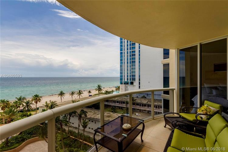17555 Collins Ave, Sunny Isles Beach, FL 33160