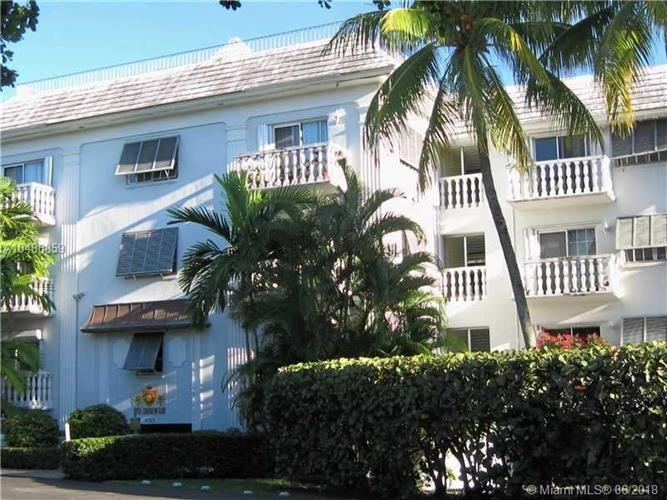 1150 Madruga Ave, Coral Gables, FL 33146