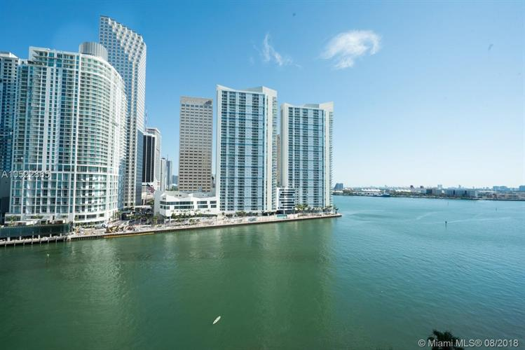 901 Brickell Key Blvd, Miami, FL 33131