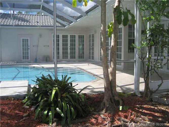 1105 SPYGLASS, Weston, FL 33326
