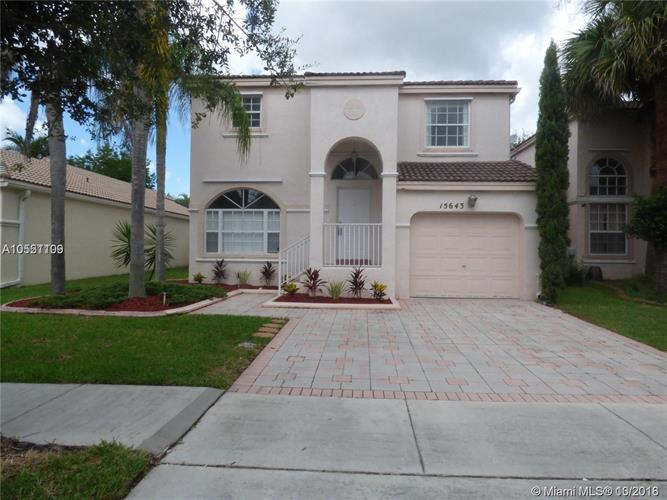 15643 NW 12th Rd, Pembroke Pines, FL 33028