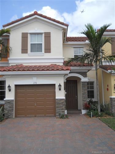 170 Emerald Creek Way, Plantation, FL 33325