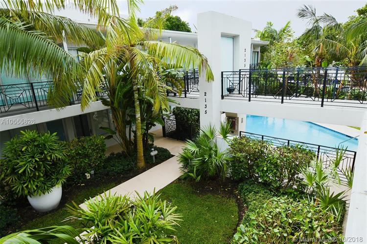 2135 Washington Ct, Miami Beach, FL 33139 - Image 1