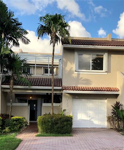10239 NW 52nd Terrace, Doral, FL 33178 - Image 1
