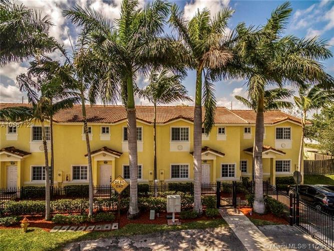 205 NE 4th Ct, Hallandale, FL 33009 - Image 1