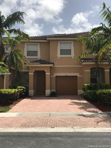 945 NE 42nd Ave, Homestead, FL 33033 - Image 1