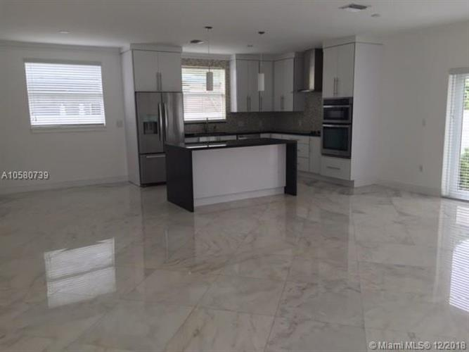 3375 Percival Ave, Miami, FL 33133 - Image 1