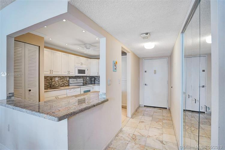 3701 N Country Club Dr, Aventura, FL 33180 - Image 1