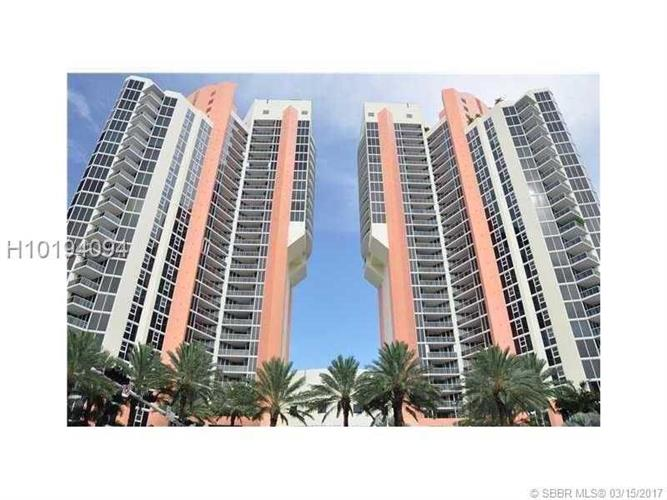 19333 Collins Ave, Sunny Isles Beach, FL 33160