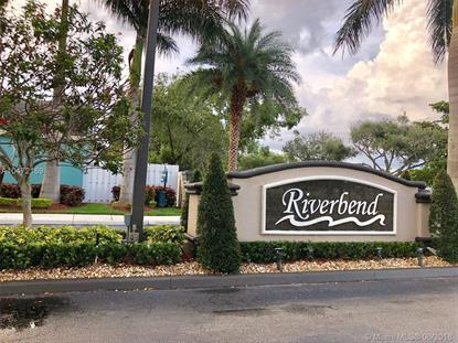 124 W Riverbend Dr , Sunrise, FL