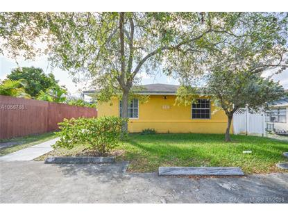 2738 Pierce St , Hollywood, FL