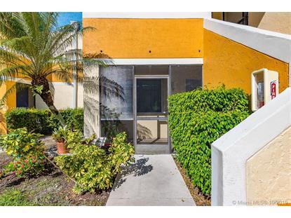 189 Lakeview Dr , Weston, FL