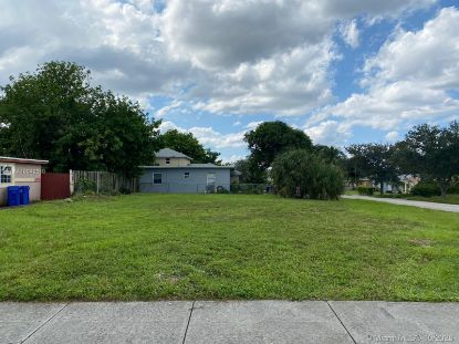 1229 SW 35th Ave  Fort Lauderdale, FL MLS# A10942610