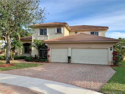 19030 SW 65th St  Pembroke Pines, FL MLS# A10982756