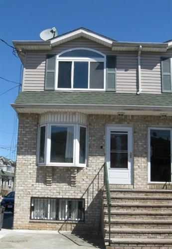 60 Lyceum Court, Staten Island, NY 10310