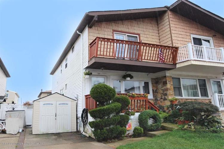 16 Strawberry Lane, Staten Island, NY 10312