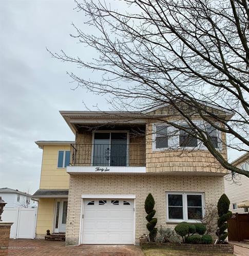 36 Purdue Court, Staten Island NY 10314 For Rent, MLS # 1126858,  Weichert com