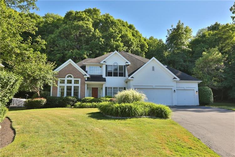 107 Waterford Way, Fairport, NY 14450