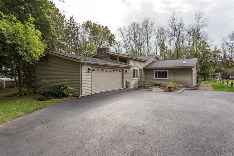7965 Thompson Road, Cicero, NY 13039 - Image 1