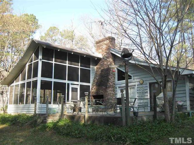 6989 Drewry Virginia Line Road, Manson, NC 27553