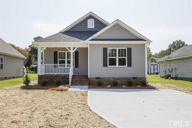 613 S Orange Avenue, Dunn, NC 28334