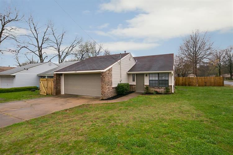 3320 W Olive, Rogers, AR 72756