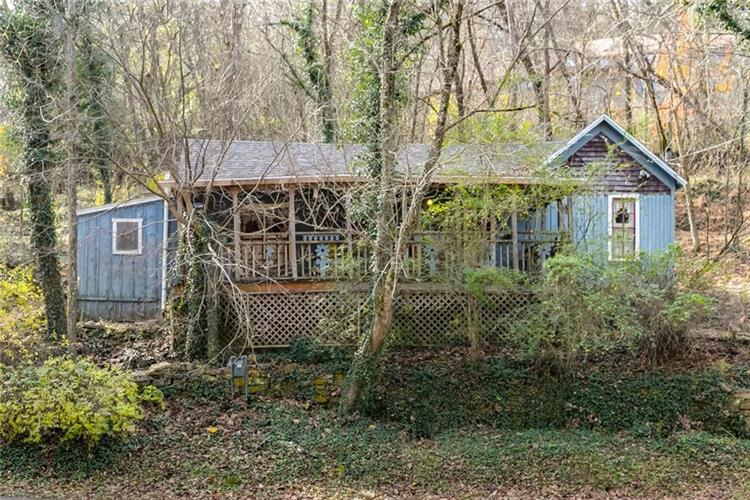 26 Mill Hollow  RD, Eureka Springs, AR 72632