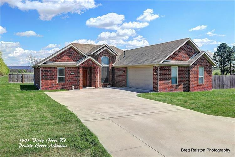 prairie grove muslim singles This beautiful 4 bedroom custom, prairie style home located in prairie grove has gorgeous detailing, hardwood floors and stunning views from every window impeccably designed with high end quality and finishes throughout.