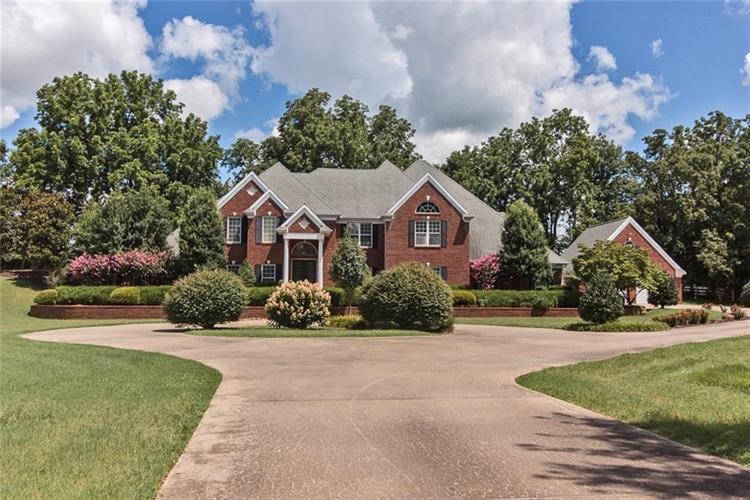 2428 Clear Creek  DR, Springdale, AR 72764