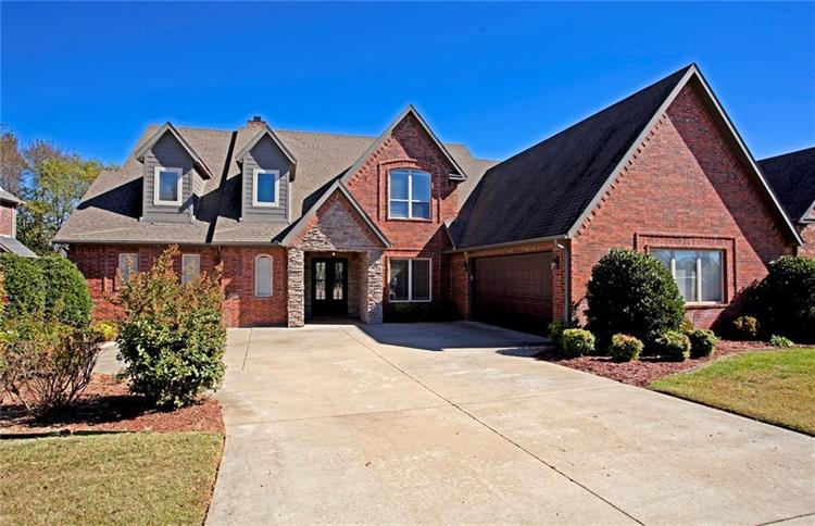 5211 S Sloan Circle, Rogers, AR 72758