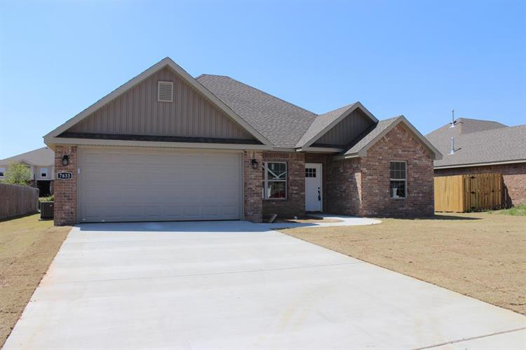 7633 Brooklyn Avenue, Springdale, AR 72762