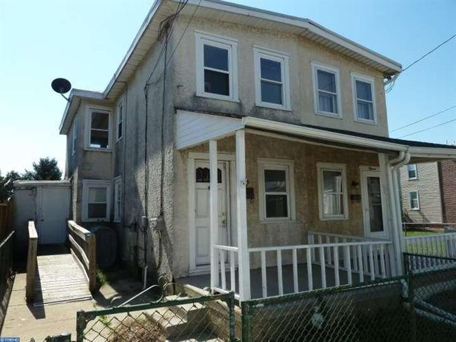 9 2ND ST, Marcus Hook, PA 19061