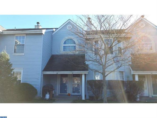 47 TANGLEWOOD CT #A, Monmouth Junction, NJ 08852