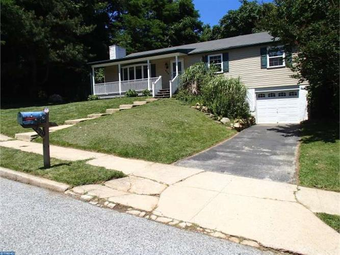 299 DULLES DR, Coatesville, PA 19320