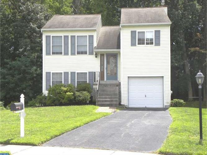 7 WALLE ST, Norwood, PA 19074