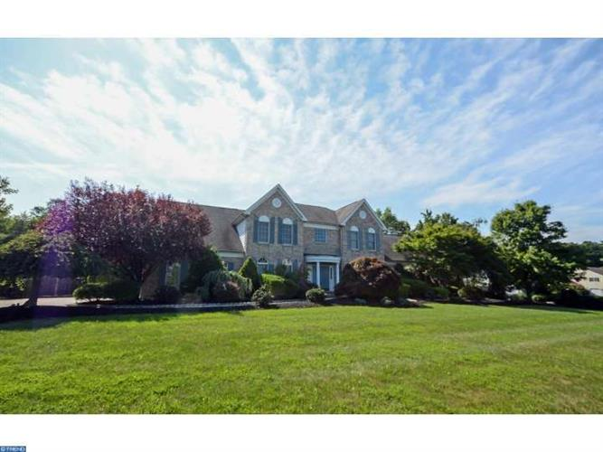 18 MORRIS DR, Hopewell Township, NJ 08540