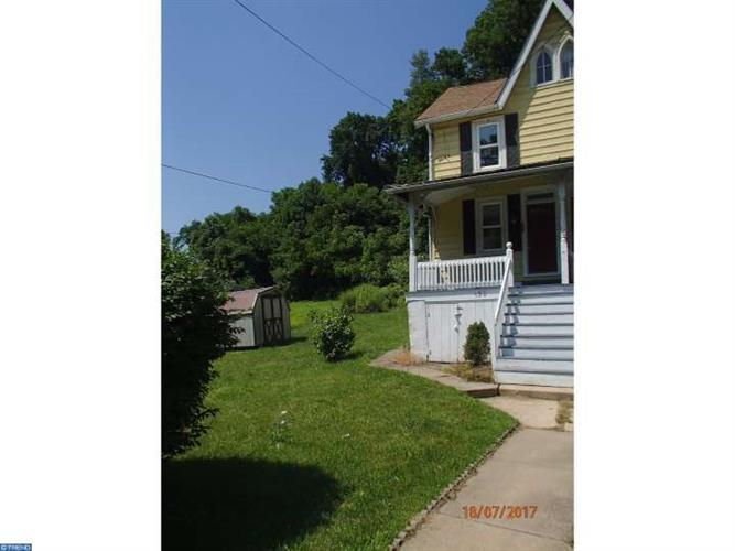 150 N CHURCH ST, Parkesburg, PA 19365