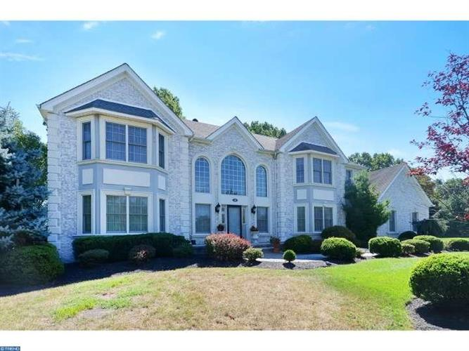 18 WYNWOOD DR, Princeton Junction, NJ 08550