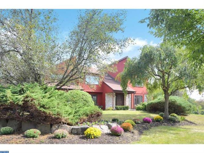 24 SARATOGA DR, Princeton Junction, NJ 08550