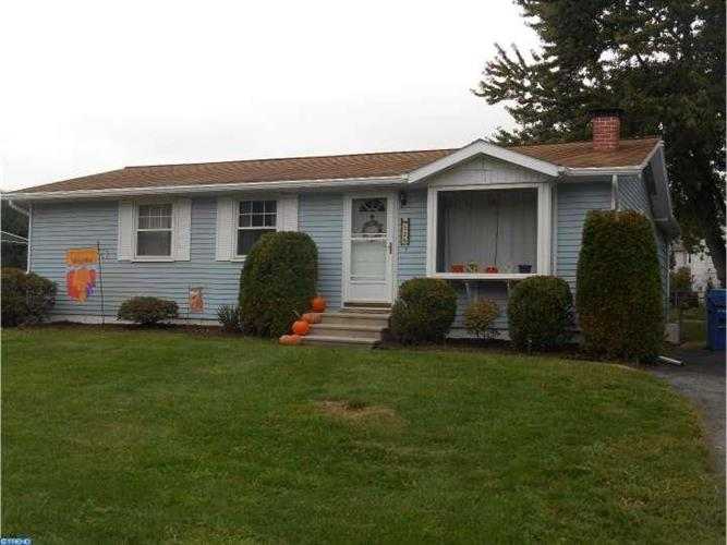 126 ASPEN AVE, Sinking Spring, PA 19608