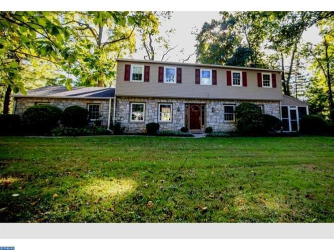 5 MEADOW LN, Wallingford, PA 19086
