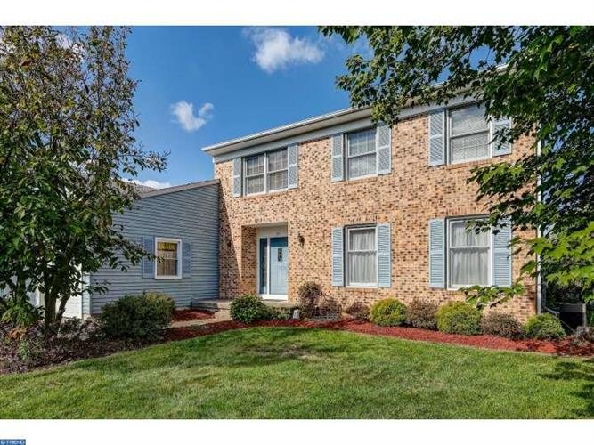 24 WINCHESTER DR, Sewell, NJ 08080