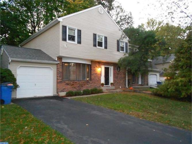 1273 WILTON CRES, Yardley, PA 19067