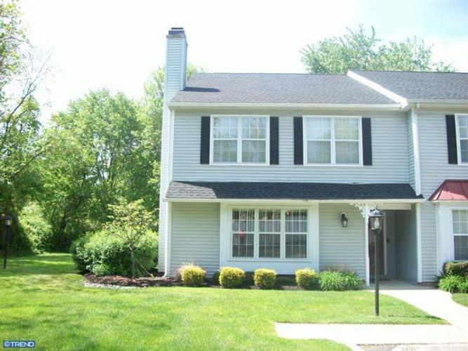 300 ANDREWS LN, Moorestown, NJ 08057