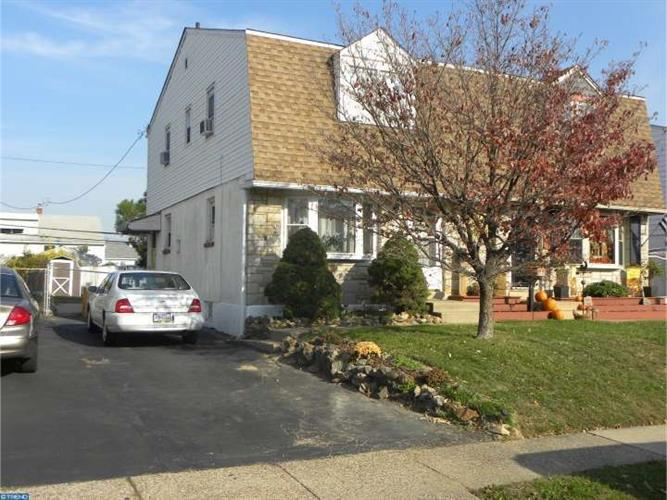 1353 PRICE ST, Trainer, PA 19061