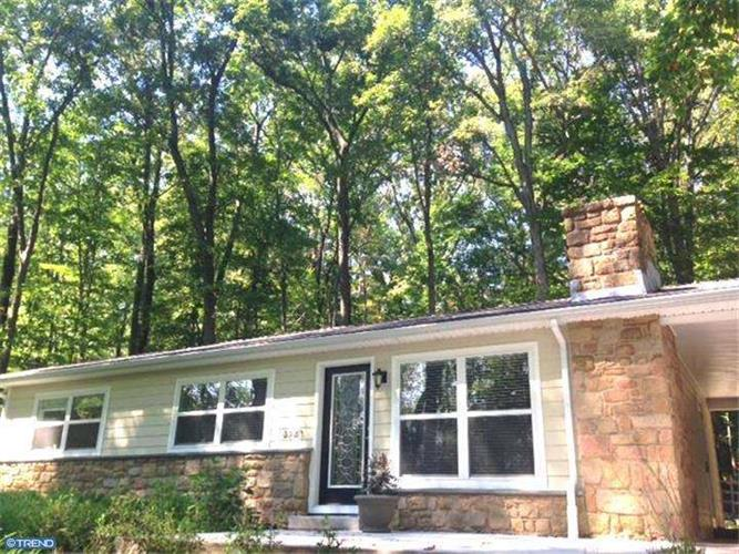 4840 LOWER MOUNTAIN RD, New Hope, PA 18938