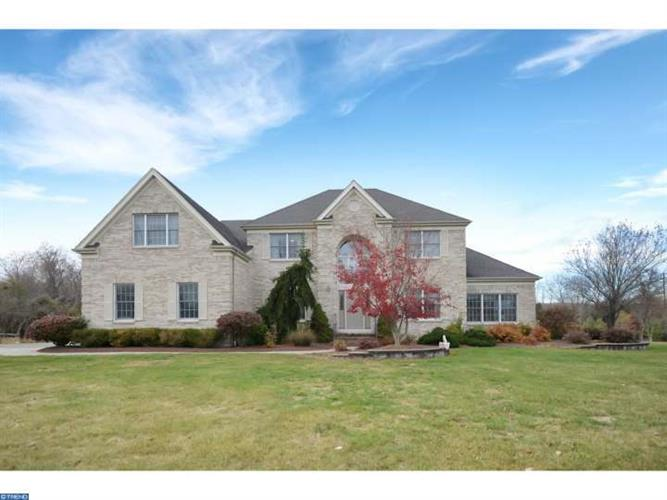 11 SCENIC HILLS CT, Belle Mead, NJ 08502
