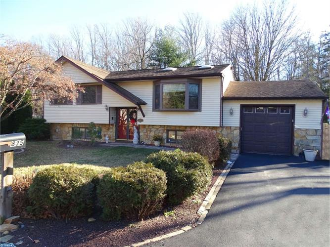 835 EASTBROOK AVE, Langhorne, PA 19047