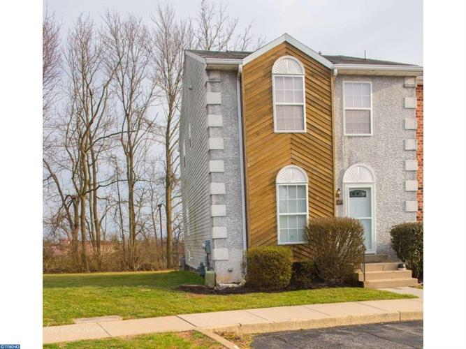 514 EVERGREEN LN, Aston, PA 19014